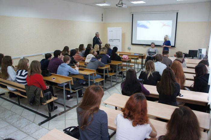 Инвалидность: понимание, стереотипы, социальная и медицинская модели, язык и этикет